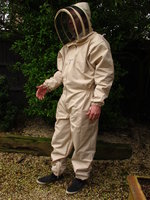 Bee Suits, Smocks & Gloves