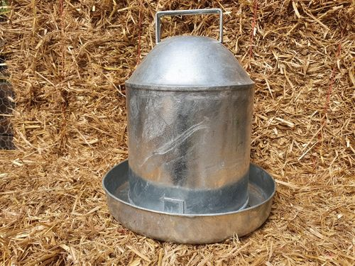 Poultry Drinker - 2.25Ltr (0.5gal) Hot Dipped Galvanised