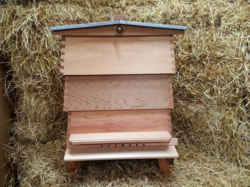 Beginners Bee Keeping Pack - WBC Hive with 14x12 deep brood box Starter Kit