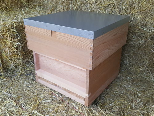 "National Hive with 8"" Flat Roof - Western Red Cedar"